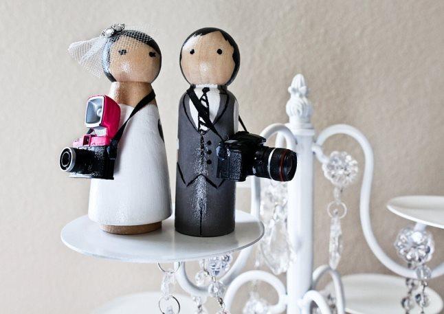 Cameraman-design-diy-wedding-cake-toppers
