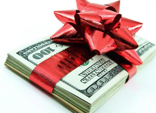 gift-wrapped-money