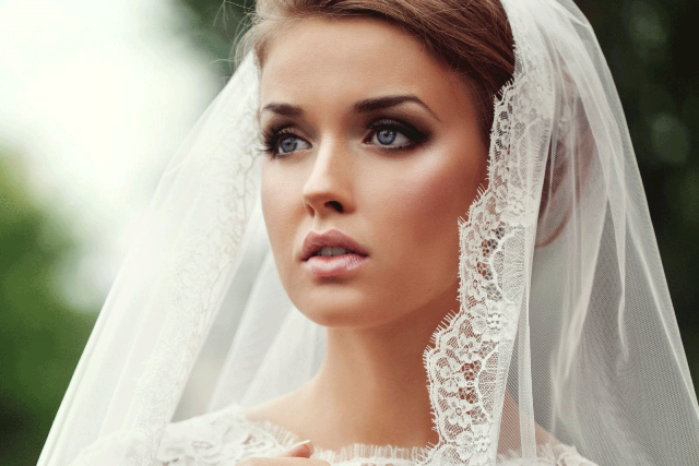 bride-with-veil-wedding-photo