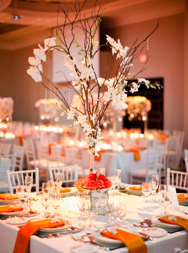 Stylish-Tall-orange-flowers-Wedding-Centerpiece
